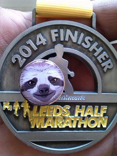 Medal & Sloth badge Half marathon